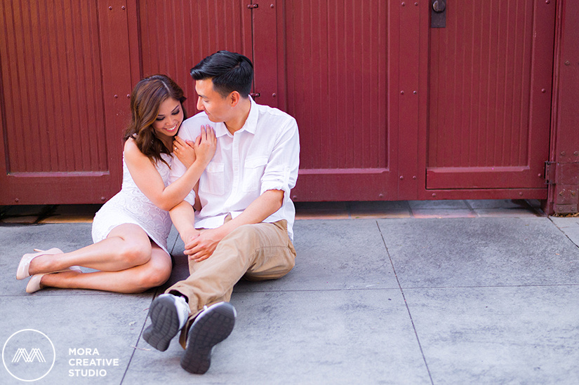 ENGAGEMENT_SESSION_RED_DOOR_0230